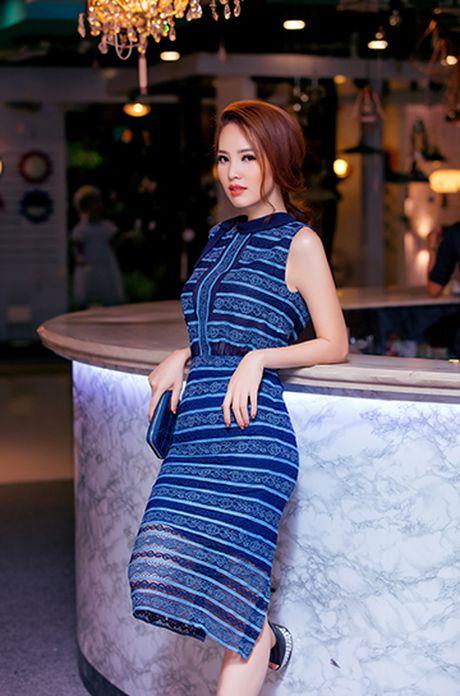 A hau Thuy Van voi style thoi trang goi cam - Anh 7