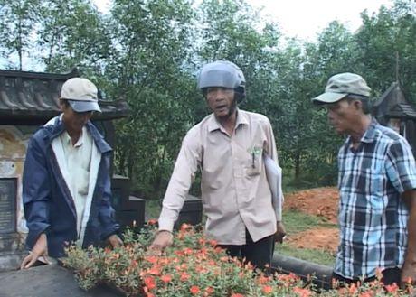 Thua Thien Hue: Hang nghin ngoi mo bi ke xau dong dinh - Anh 4