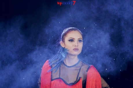 Mau 'nam lun' se mo man show NTK Cong Tri tai VIFW 2016 - Anh 1