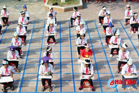'Rung chuong vang' tim hieu 180 nam thanh lap huyen Ky Anh - Anh 6