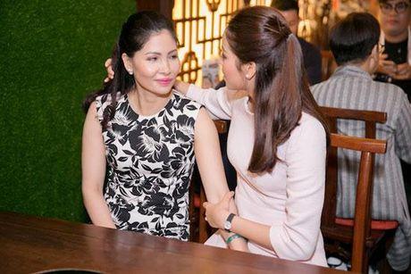 Huong Giang Idol tao bao 'tha rong', sexy lan at Pham Huong - Anh 13