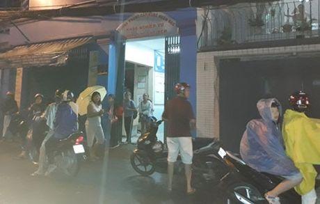 TP HCM: 'Bat den xanh' cho phep hoc them day them tro lai!? - Anh 1