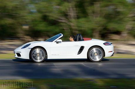 Porsche 718 Boxster - xe the thao kien tao cam xuc - Anh 1