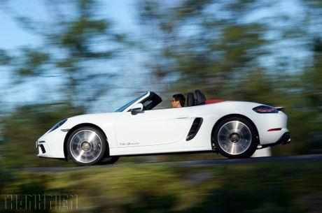 Porsche 718 Boxster - xe the thao kien tao cam xuc - Anh 10