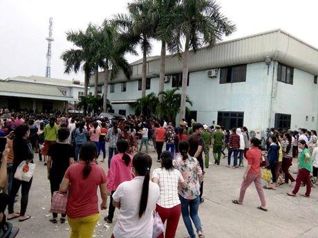 Vu hon 3.000 cong nhan ngung viec: Cty Matrix Vinh dong y giam dinh muc lao dong - Anh 1