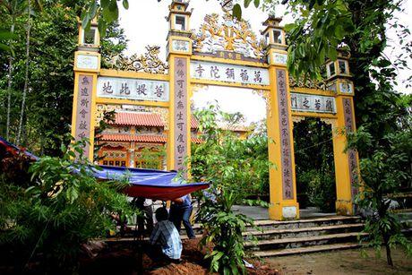 Tim thay tu lieu quan trong 'giai ma' dau tich lang mo vua Quang Trung o Hue - Anh 10