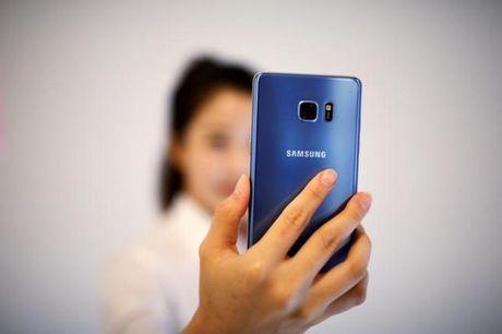 Apple va Google huong loi tu vu Galaxy Note 7 ngung ban - Anh 1