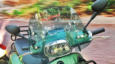 Vespa Sprint 125 ABS co them phien ban dac biet tai Viet Nam - Anh 11