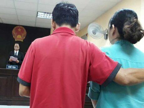 Boi thuong 122 trieu vu be trai tu vong trong ho boi - Anh 1