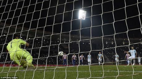 Argentina thua soc, Brazil tiem ngoi dau - Anh 2