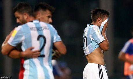 Argentina thua soc, Brazil tiem ngoi dau - Anh 3