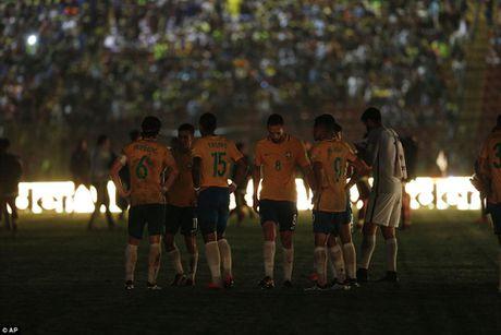 Argentina thua soc, Brazil tiem ngoi dau - Anh 7
