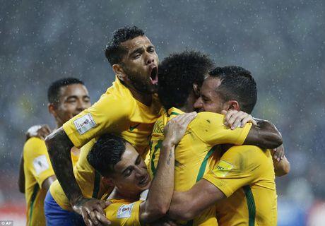 Argentina thua soc, Brazil tiem ngoi dau - Anh 8