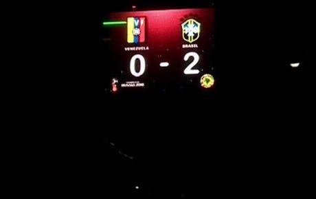 Brazil ha Venezuela o tran cau gap su co mat dien - Anh 1