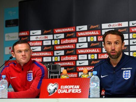 Canh bac cua nguoi Anh khi thay HLV truong va day doi truong Rooney len ghe du bi - Anh 1
