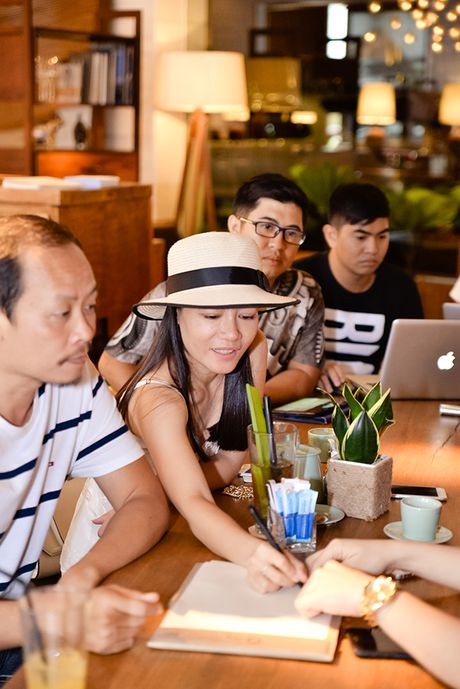 Diem mat nhung nhan vat dung sau show thoi trang hoanh trang cua Chung Thanh Phong - Anh 7