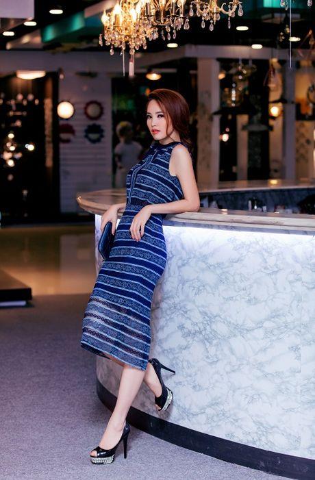 A hau Thuy Van chon vay 'ho bao' - Anh 4