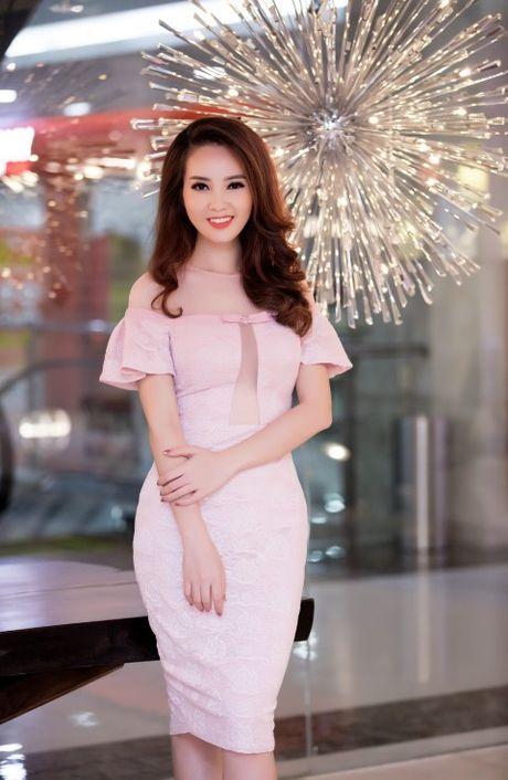 A hau Thuy Van chon vay 'ho bao' - Anh 5