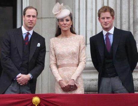 Cung dien Buckingham 'ta hoa' khi bi benh nhan tam than dot nhap - Anh 2