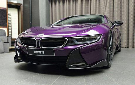 Man nhan voi BMW i8 mau tim doc la mang ten 'Chang Vang' - Anh 3