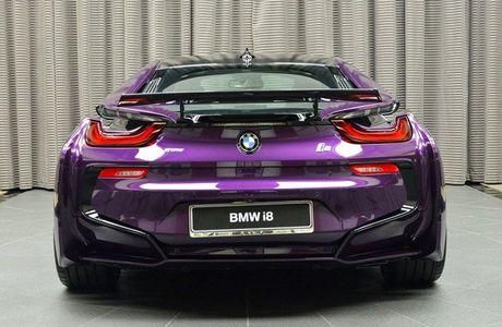 Man nhan voi BMW i8 mau tim doc la mang ten 'Chang Vang' - Anh 4