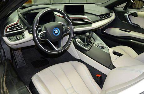 Man nhan voi BMW i8 mau tim doc la mang ten 'Chang Vang' - Anh 6