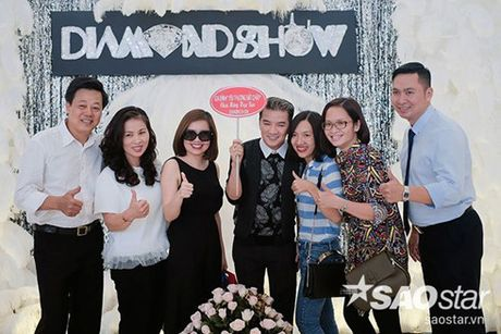 Su khac biet trong show tien ty cua Viet Huong va Dam Vinh Hung - Anh 3