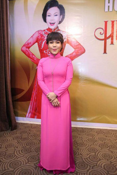Su khac biet trong show tien ty cua Viet Huong va Dam Vinh Hung - Anh 5