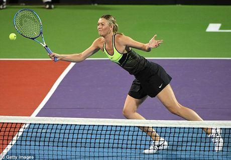 Bup be Nga Sharapova 'tha dang' tren san tennis gay quy tu thien - Anh 6