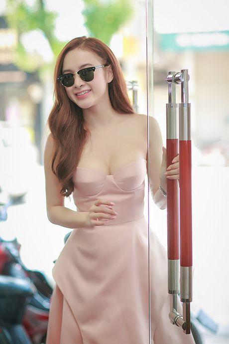 Dien mot khong noi y, Angela Phuong Trinh tha ho khoe 'sieu vong 1' - Anh 10