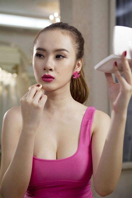 Dien mot khong noi y, Angela Phuong Trinh tha ho khoe 'sieu vong 1' - Anh 12
