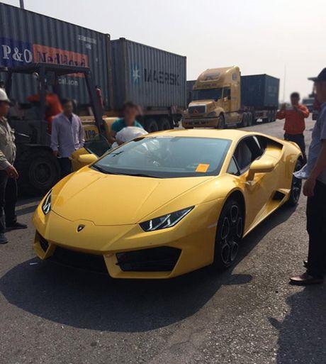 HOT: Lamborghini 'gia re' Huracan LP580-2 thu 2 ve Viet Nam - Anh 1