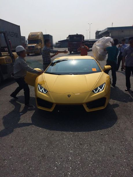 HOT: Lamborghini 'gia re' Huracan LP580-2 thu 2 ve Viet Nam - Anh 2