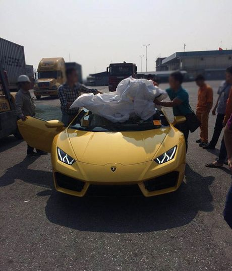 HOT: Lamborghini 'gia re' Huracan LP580-2 thu 2 ve Viet Nam - Anh 4