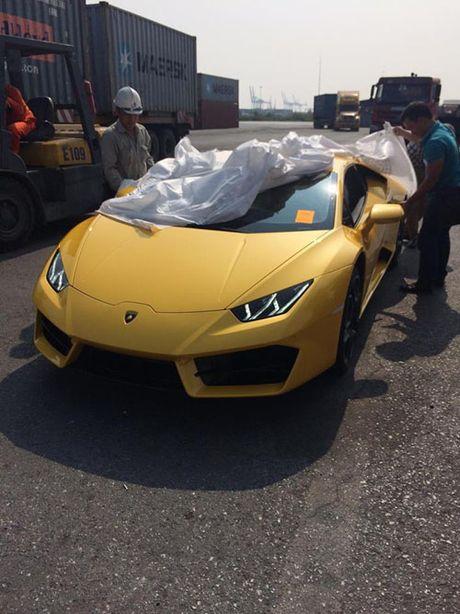 HOT: Lamborghini 'gia re' Huracan LP580-2 thu 2 ve Viet Nam - Anh 7