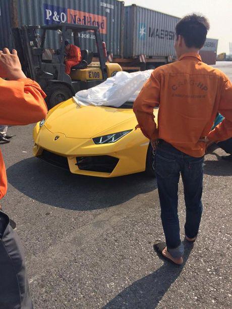 HOT: Lamborghini 'gia re' Huracan LP580-2 thu 2 ve Viet Nam - Anh 8