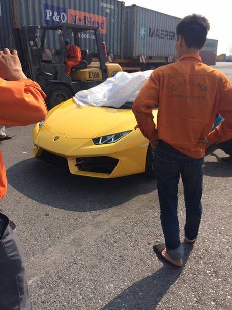 HOT: Lamborghini 'gia re' Huracan LP580-2 thu 2 ve Viet Nam - Anh 9