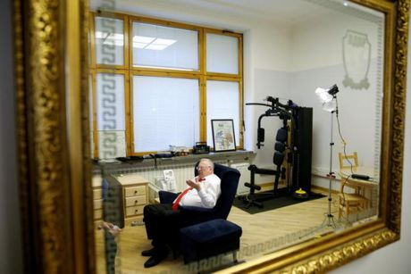 Lanh dao Duma Nga: Bau cho Trump hoac doi mat chien tranh - Anh 2