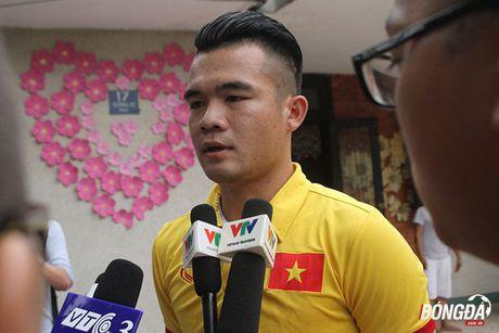 Tuyen thu Viet Nam trai nghiem cuoc song ben ngoai bong da - Anh 4