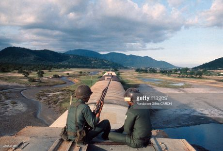 Cuoc chien tranh Viet Nam qua anh cua phong vien Phap (2) - Anh 4