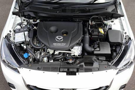 Xe co nho, gia re Mazda2 phien ban 2017 'lo hang' - Anh 5