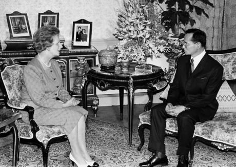 Cuoc doi Quoc vuong Thai Lan Bhumibol Adulyadej qua anh - Anh 11