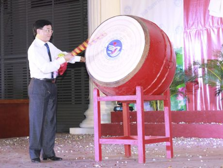 Truuong Dai hoc Vinh khai giang nam hoc moi - Anh 1
