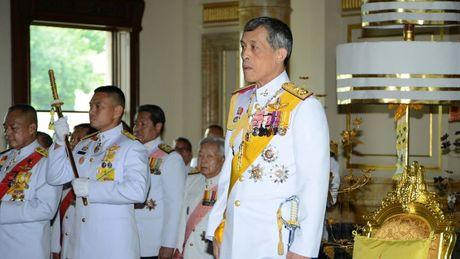Thai tu Maha Vajiralongkorn ke vi ngai vang Thai Lan - Anh 1