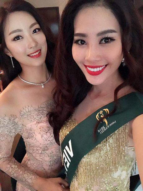 "Nhung hinh anh cuc ""nong"" cua Nguyen Thi Le Nam Em tai Hoa hau Trai dat 2016 - Anh 4"