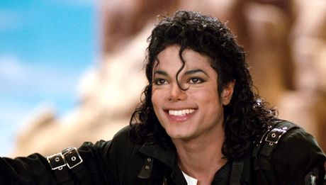 """Vua nhac Pop"" Michael Jackson van dinh dam sau khi qua doi - Anh 1"