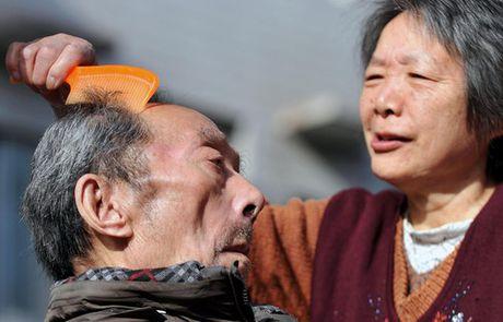 Trung Quoc ngay cang them nhieu nguoi gia lu lan - Anh 1