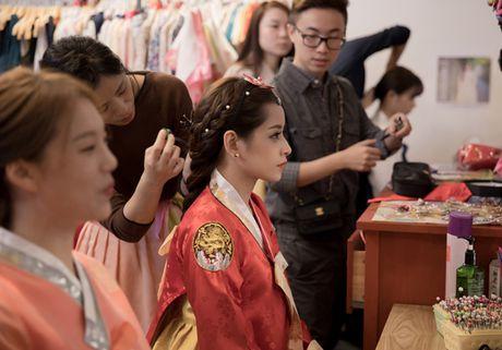 Chi Pu dien hanbok qua xinh dep so voi cac co gai Han Quoc - Anh 1