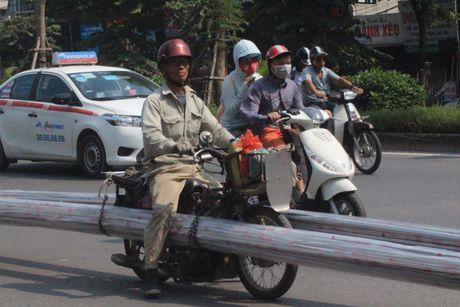 Xe ba gac, xe tu che van tung hoanh duong pho Ha Noi - Anh 2