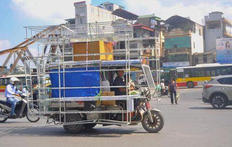 Xe ba gac, xe tu che van tung hoanh duong pho Ha Noi - Anh 3